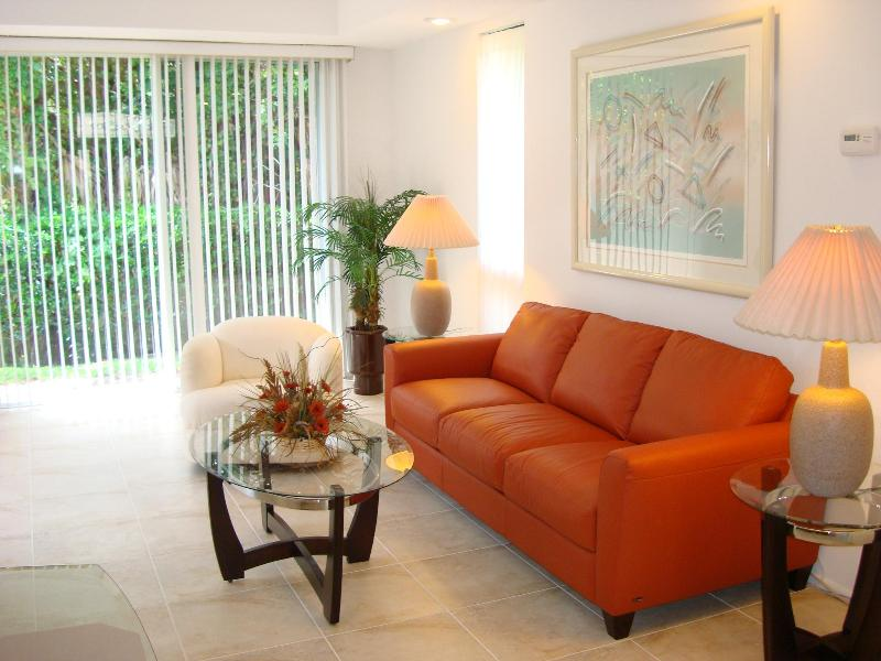 Living Room with Leather Sleeper Couch - Port St. Lucie Villas of Sandpiper Bay (Club Med) - Port Saint Lucie - rentals