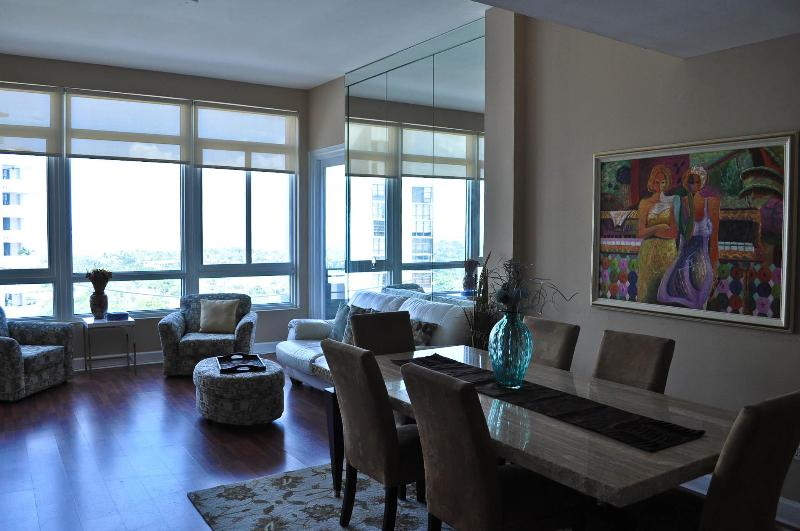 Living/Dining room area with balcony access - Bay View Penthouse 15 - Miami Beach - rentals