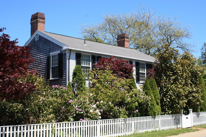 Tucked Away Behind White Picket Fencing... - Outstanding 4 Bedroom In-Town Martha's Vineyard - Edgartown - rentals