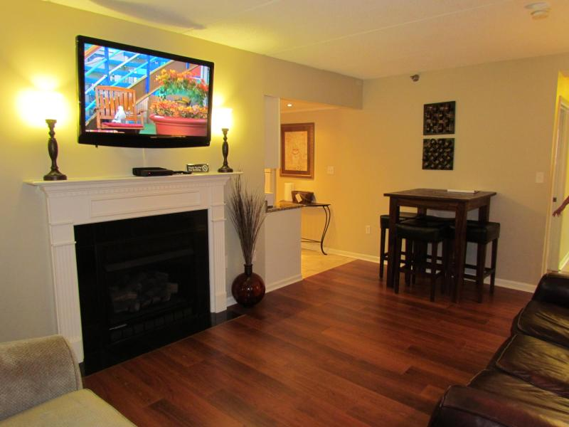 Living Area - In Town With Spectacular View-Walk to the Parkway! - Gatlinburg - rentals