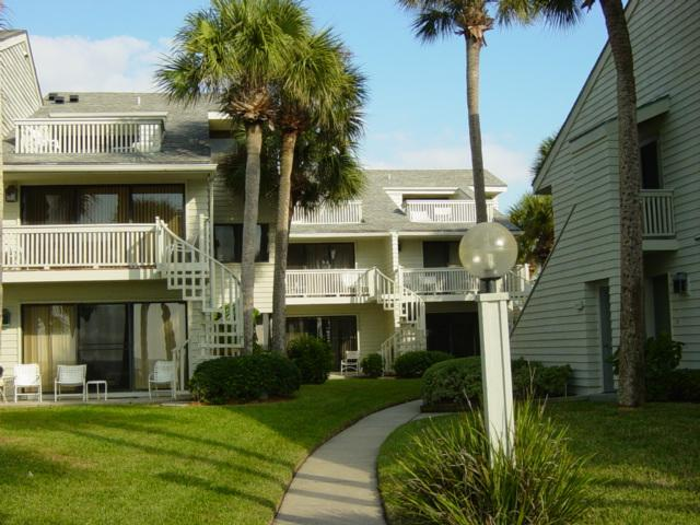 view from beach - Quiet Beachfront condo, Clearwater Beach - Belleair Beach - rentals