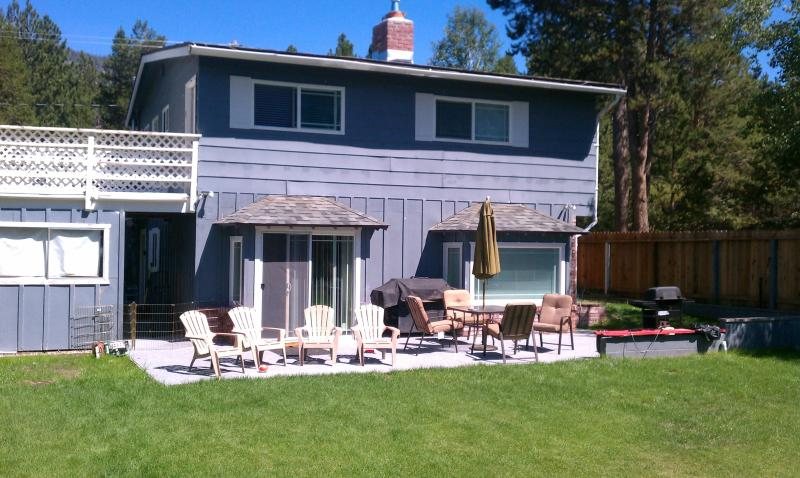 Fenced in Back Yard - Clean & Cozy, South Lake Tahoe Rental-RIGHT PRICE! - South Lake Tahoe - rentals