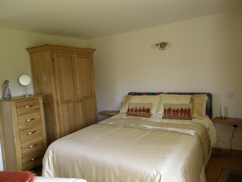 The Stables Holday Cottage - Image 1 - Pontyclun - rentals