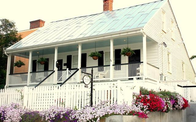White Turpin House - 200 year old townhouse of the first sheriff of historic Natchez, Ms. - White Turpin House - Historic Vacation Retreat - Natchez - rentals