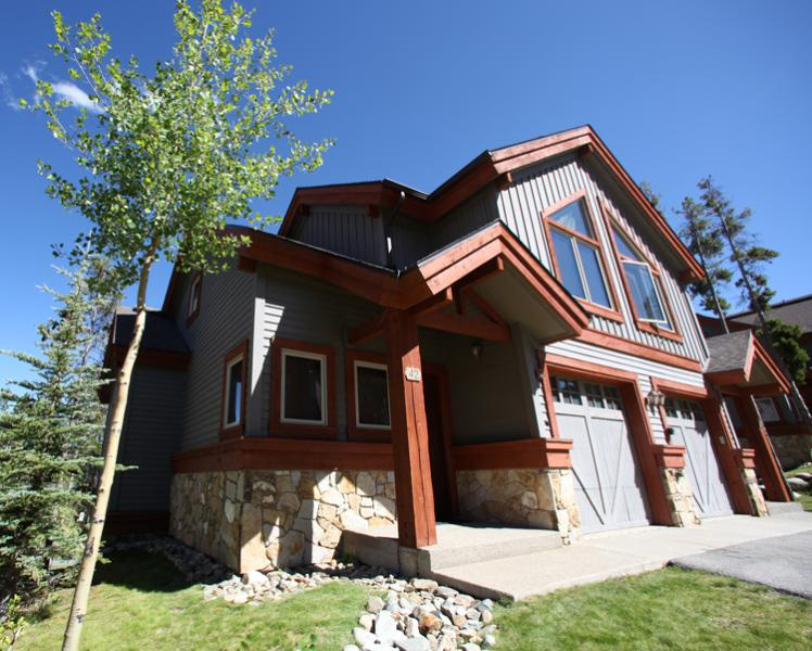 Front Exterior of Amber Sky Townhome - Amber Sky Saddlewood - Breckenridge - rentals