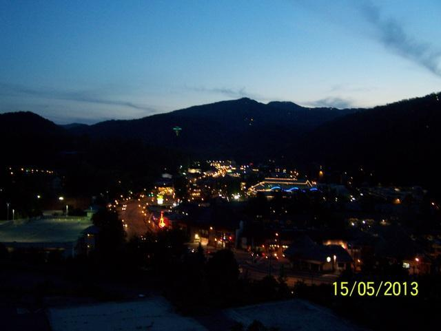 Night View From Your Balcony - Gatlinburg Chateau - 2 Bedroom Condo (503) - Gatlinburg - rentals