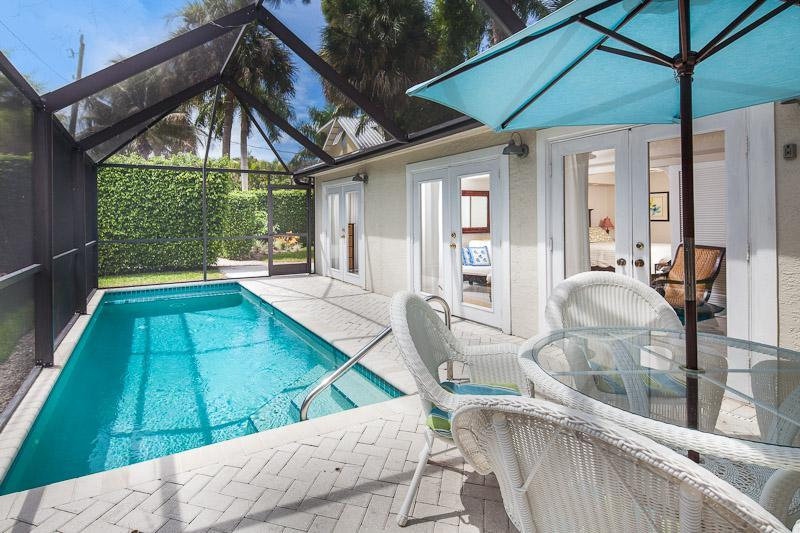 Old Naples Luxury Cottage - Walk to Beach and Fifth Ave ! - Old Naples Luxury Cottage - Walk to 5th & Beach ! - Naples - rentals