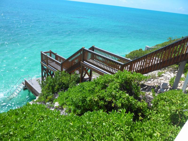 Stairway to the ocean - Villa Moonshadow - Providenciales - rentals