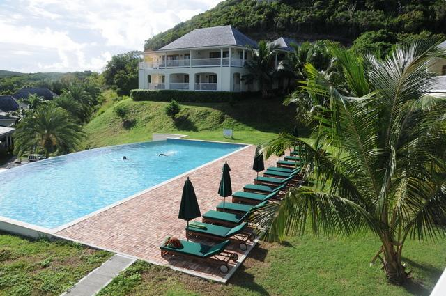 Our poool with loungers and sun shades - Tropical Island Suites Nonsuch Bay Antigua - Nonsuch Bay - rentals