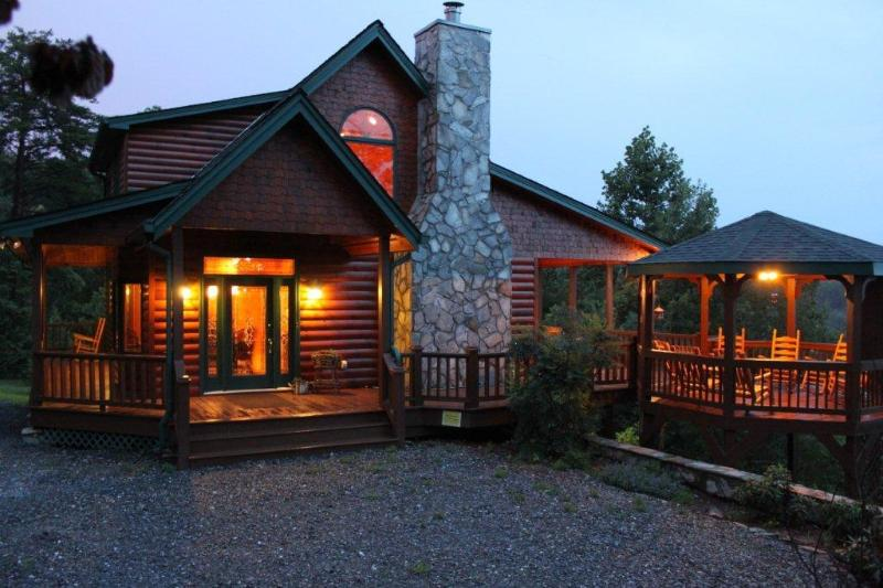 Cabin at dusk - Stunning Views, 3 King Suites, Relax in Luxury - Blue Ridge - rentals