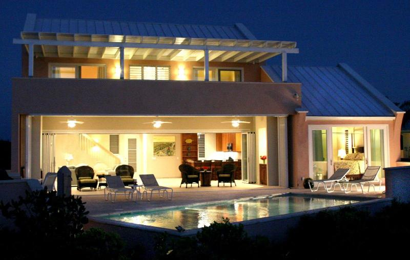 Stunning Contemporary Villa - Contemporary 3 BR-Fabulous Sandy Beach/Pool/Kayaks - Sapodilla Bay - rentals