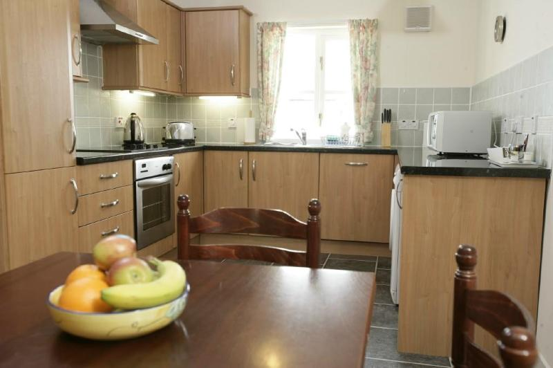 Beaton Cottage kitchen - Linlithgow Holiday Cottages - Beaton Cottage - Linlithgow - rentals
