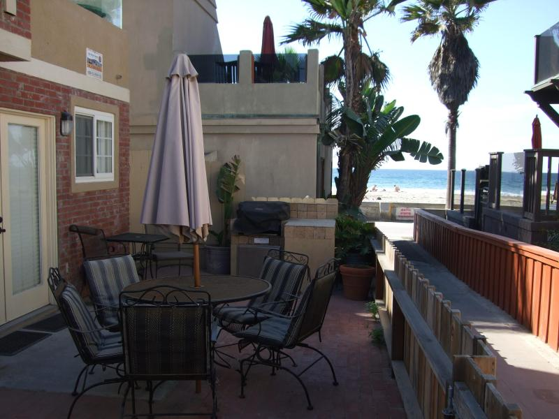 First floor pation and barbeque area for entertaining - Almost Waterfront Beach house 20 feet to sand/surf - Mission Beach - rentals