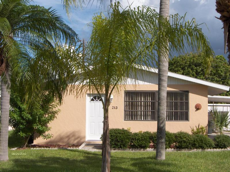 213 Palm Ave - Becker's Beach Bungalow! - Anna Maria - rentals