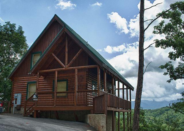 Gorgeous and Luxurious with Breathtaking Views of Mt. LeConte!  HIGHHP - Image 1 - Pigeon Forge - rentals