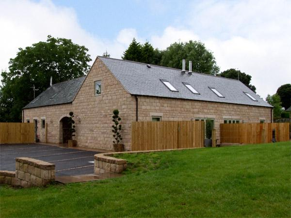 ALVETON, family friendly, luxury holiday cottage, with a garden in Farley Near Alton Towers, Ref 4300 - Image 1 - Farley - rentals