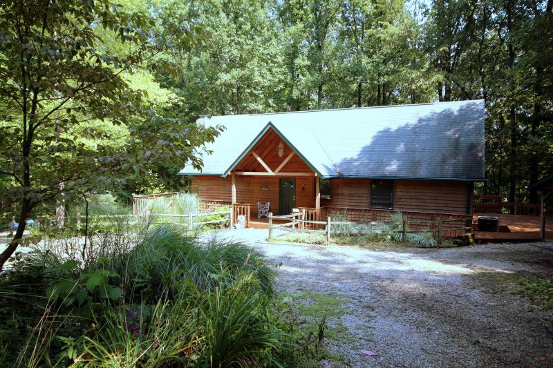 Butterfly Haven Lodge - Charming and Relaxing! - Image 1 - Hocking Hills - rentals