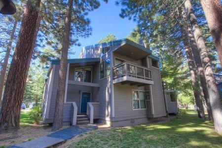 Heavenly 3 BR & 1 BA Condo in South Lake Tahoe - LLC0996 - Image 1 - South Lake Tahoe - rentals