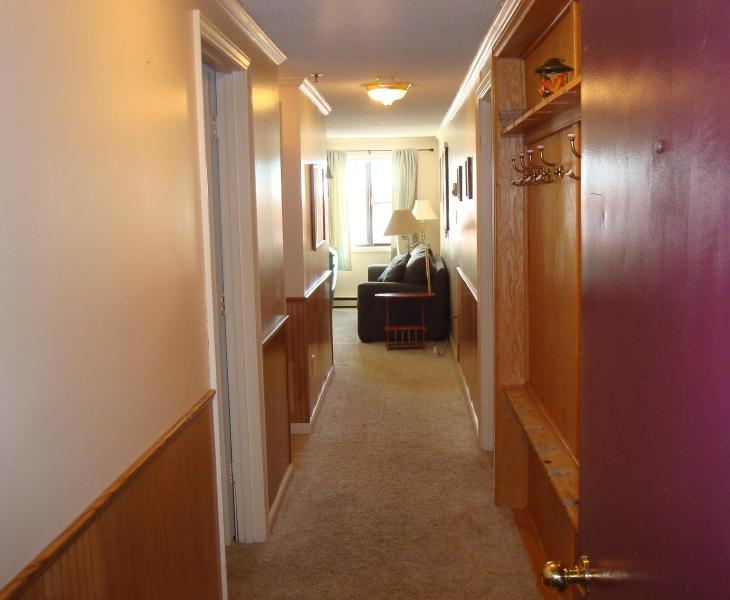 Entryway - Low Price, Ski-In/Out, Next to Village, Parking - Snowshoe - rentals