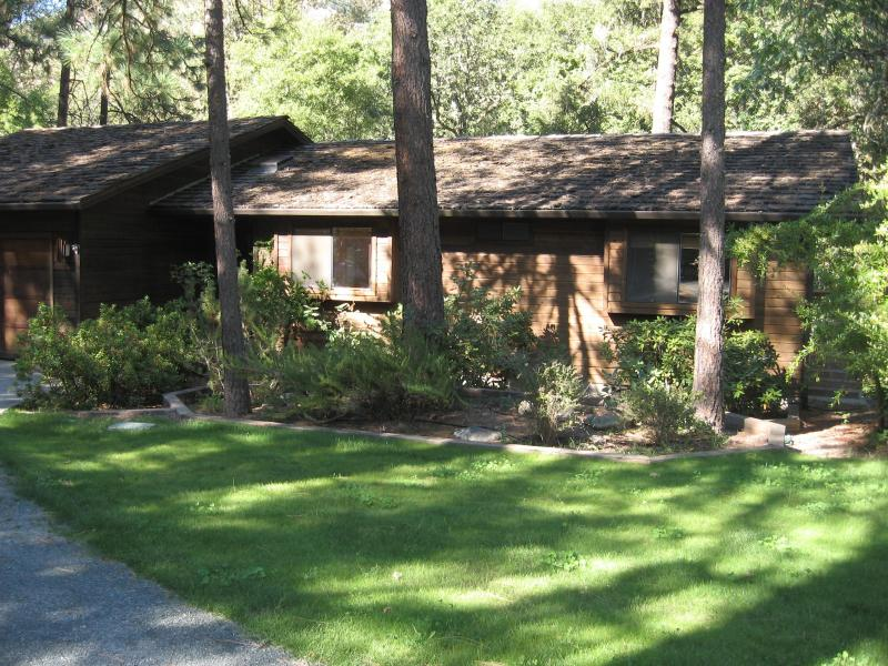 The River House - Exterior - The River House - Grants Pass - rentals