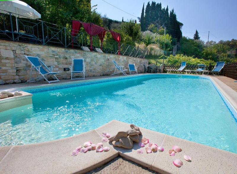 Villa nuba  vacation holiday rental in Perugia - The new eco pool with salt water - Luxury Villa cottages rental 15min.dowtown Perugia - Perugia - rentals