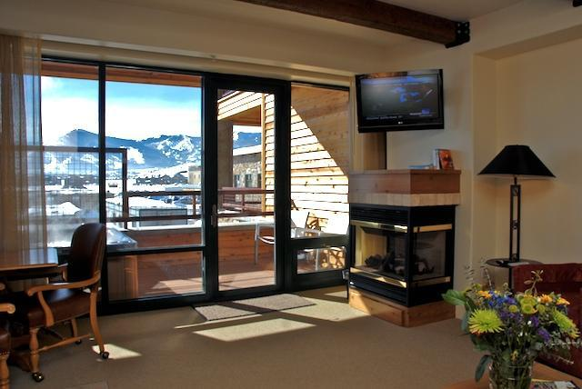 Living room - Beautiful Condo in the Newpark Hotel - Park City - rentals