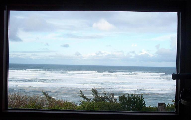 View 1 - Newport, Oregon Coast bluff cottage, Stunning VIEW! - Newport - rentals