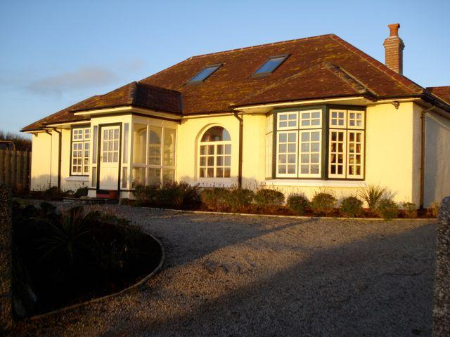 Summer Lodge, The Lizard, Holiday Cottage Cornwall - Image 1 - The Lizard - rentals