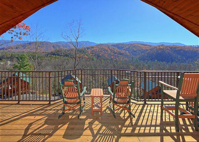 """Brand New 1 Bedroom Cabin with Jacuzzi, 4 Fireplaces and 55"""" 3D TV w/Blu Ray - Image 1 - Gatlinburg - rentals"""