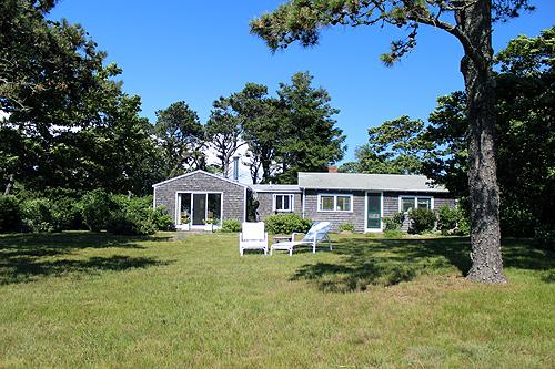 1578 - WATERFRONT, VINTAGE VINEYARD WITH MODERN CONVENIENCES - Image 1 - Chappaquiddick - rentals