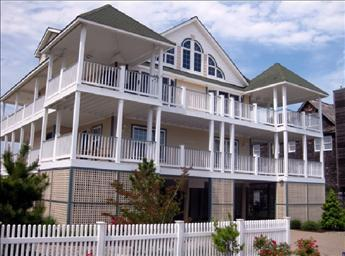 Lovely 4 Bedroom, 4 Bathroom House in Cape May (10501) - Image 1 - Cape May - rentals
