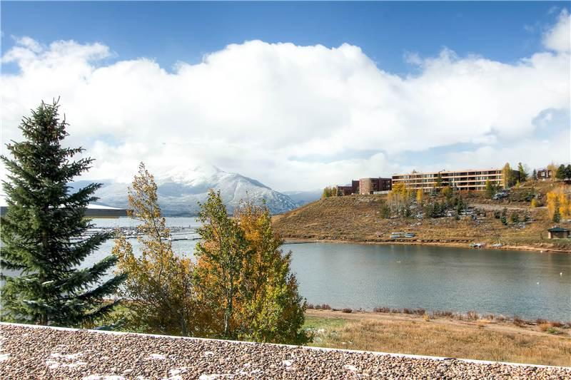 ON LAKE DILLON WITH A VIEW, 1 BDRM EAST BAY TWN HM - Image 1 - Dillon - rentals
