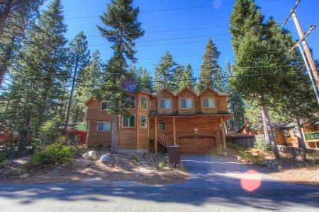 Comfortable 6 Bedroom, 4 Bathroom House in South Lake Tahoe - COH1669 - Image 1 - South Lake Tahoe - rentals
