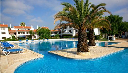 Apartment overlooking beautifully landscaped gardens: PA2-11 - Image 1 - Quinta do Lago - rentals