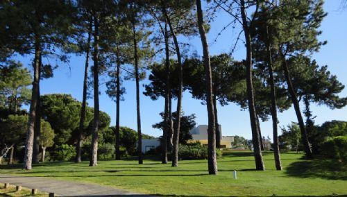 Villa bordering Quinta do Lago golf course fairway: PV4-02 - Image 1 - Quinta do Lago - rentals