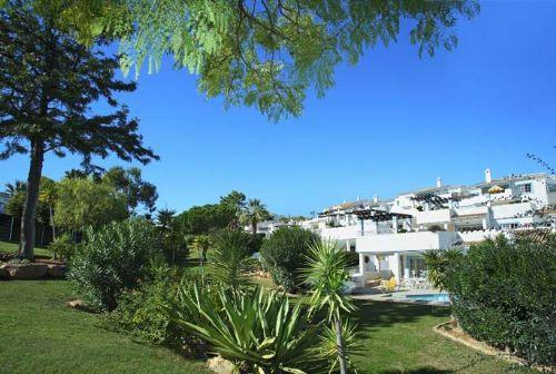Four Seasons Fairways 2 bed + Plunge Pool (Hillside Apartment) - Image 1 - Quinta do Lago - rentals