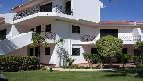 Apartment overlooking landscaped gardens: PA2-06 - Image 1 - Quinta do Lago - rentals
