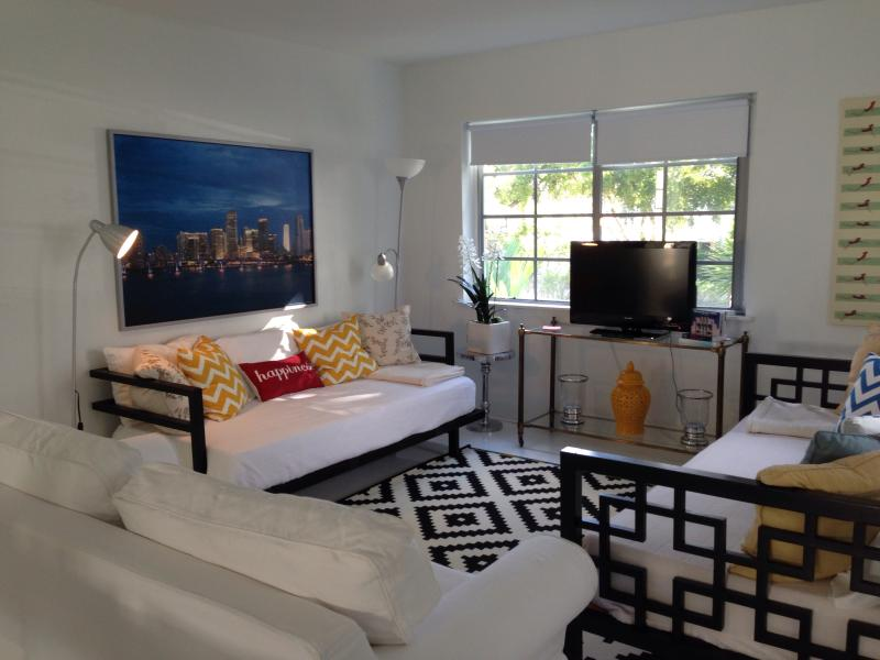 Luxury 3BR South Beach Apt PARKING & WIFI INCLUDED - Image 1 - Miami Beach - rentals