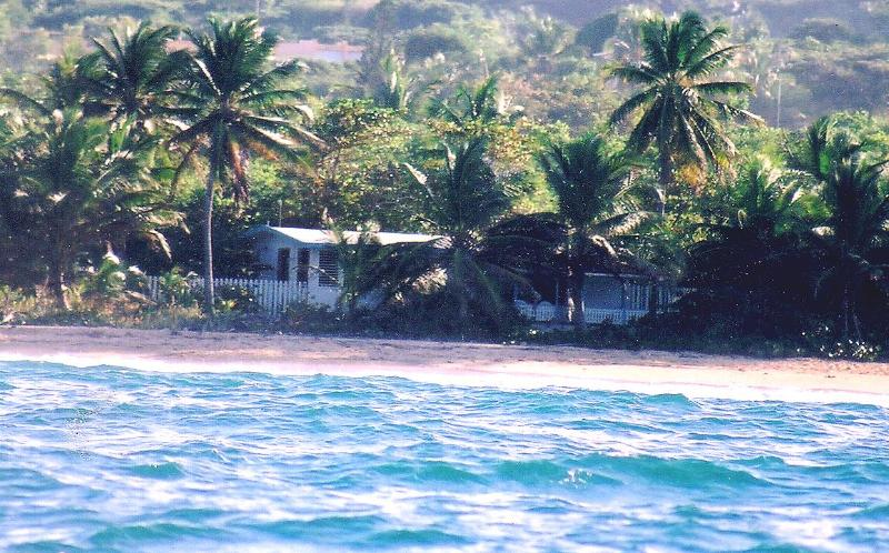 Right on the beach - La Casita del Amor Secluded 1 BR beachfront - Vieques - rentals