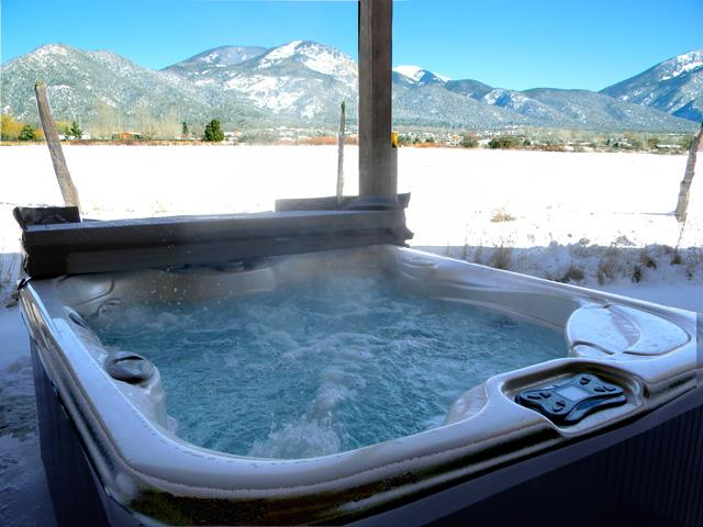 Jumbo sized  hot tub and panoramic mountain views - Alto Vallecito - Taos - rentals