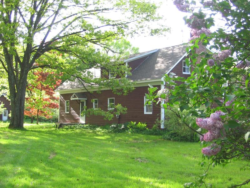 Spring!  A touch of lilac - FallFoliage_LOWEST Wkly RATE_ Hilltop Cntry FARMHS - Stowe - rentals