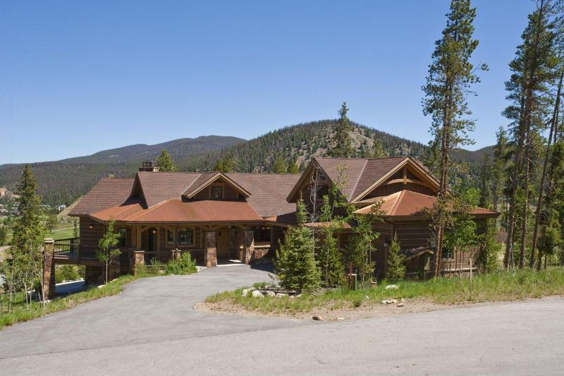 Luxury Home overlooking the Golf Course - The Chateau Sole a Luxury Breckenridge Home! - Breckenridge - rentals