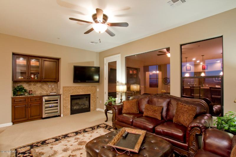 Living Room - Gated Townhome on Grayhawk Golf Course - Scottsdale - rentals