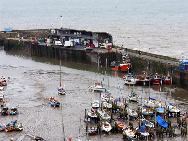 HARBOUR VIEW APARTMENT, family friendly in Bridlington, Ref 4331 - Image 1 - Bridlington - rentals