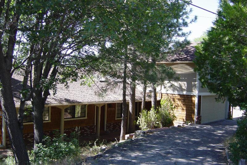 Front of house, surrounded by trees - Adorable mountain house, pool table, WiFi, etc. - Big Bear Lake - rentals