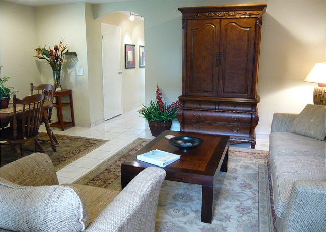 Very comfortable furnishings in the living room. - #SR 36 - Surf and Racquet 36 - Kailua-Kona - rentals