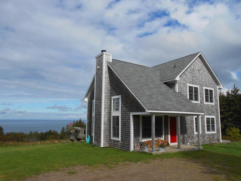 Front of House - Banks Road Vacation Home Rental - Inverness - rentals