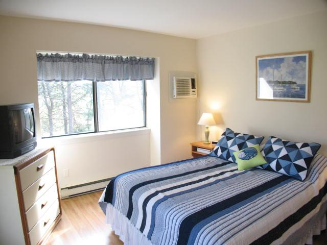 Master Bedroom - Ocean Edge Upper Level apartment (sleeps 6) with A/C & pool access - CH0386 - Brewster - rentals