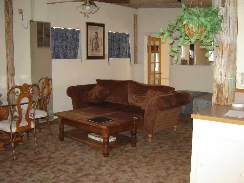 Living Room - Kern Bunkhouse,Call for availability 800 888 8194 - Kernville - rentals