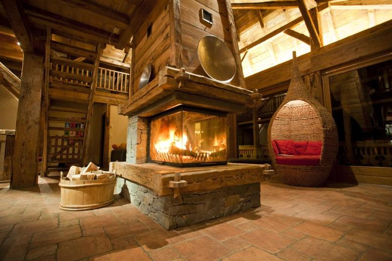 The Central Open Fireplace - The Retreat, a lovingly restored 19th century farm - Morzine - rentals